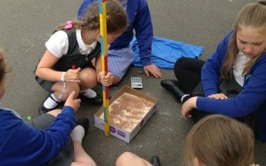 Year 5 explore gravity and meteorites…